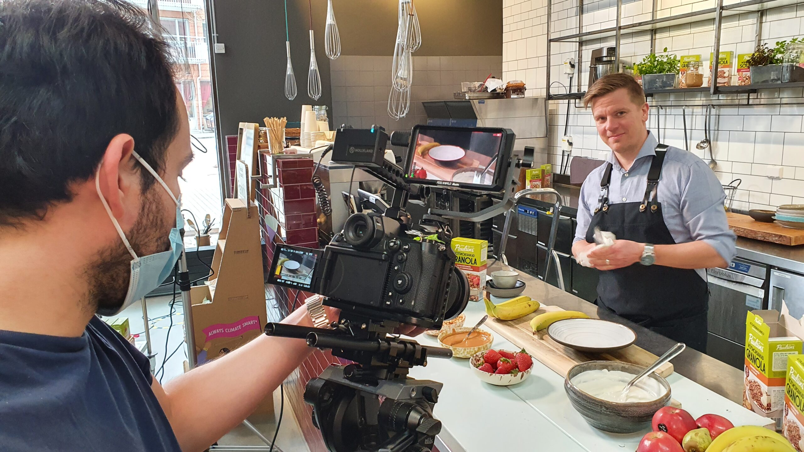 Marcus Nilsson Schön lagar en härlig och hälsosam frukosträtt